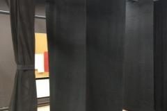 X gram gledališke zavese